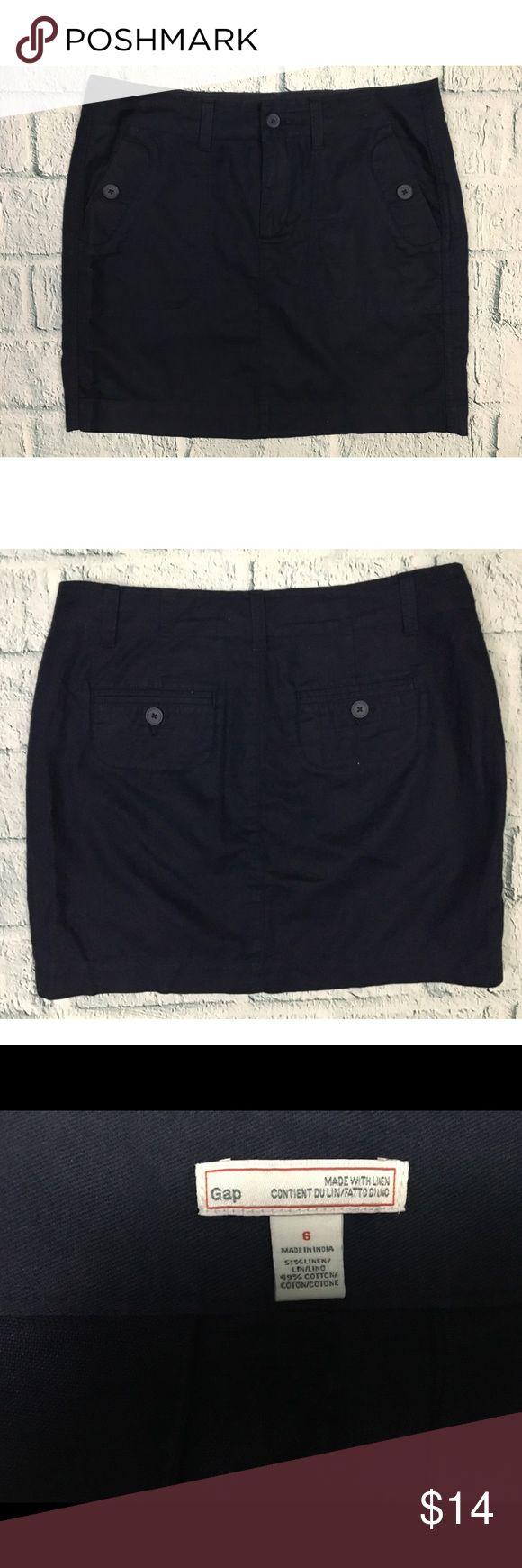 "GAP Navy Blue Linen Blend Mini Skirt Navy blue casual mini skirt with pockets from GAP Good used condition Linen/Cotton Size 6 --- Waist: 33"" --- Hips: 40"" --- Length: 16.5"" GAP Skirts Mini"