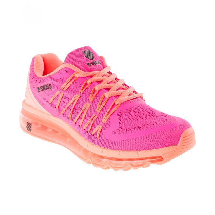 Tenis K-Swiss Ryzer elaborado en textil color rosa fosforescente punta redondeada y reforzada agujeta en empeine cables para un ajuste óptimo en costados borde acolchado logotipo de la marca plastificado cápsula de aire para mejor amortiguación y su
