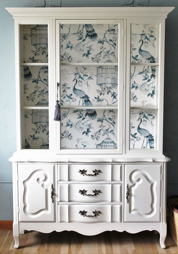 Royal White China Cabinet от LaVantteHome на Etsy
