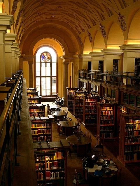 Gonville & Caius Library, Cambridge College—England
