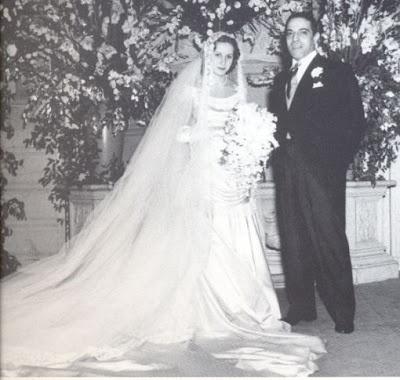Jackie o wedding dress aristotle theory