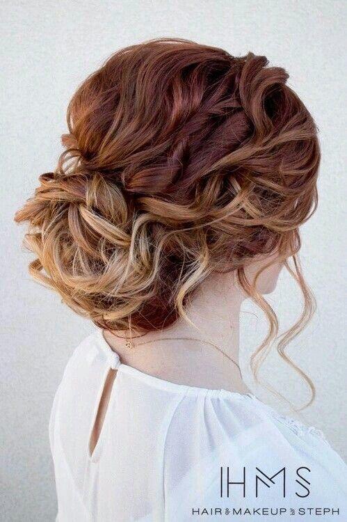 Chignon cheveux boucles