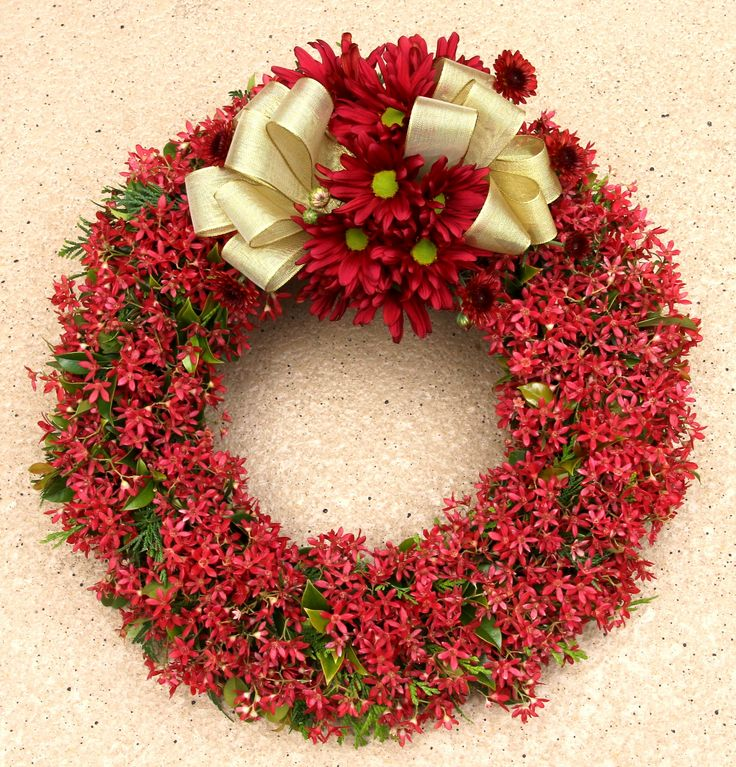 Xmas-Bush-Wreath-6.jpg (2456×2560) if you are super creative you can make a wreath out of Xmas Bush which is in season right now. Xmas bush comes in long stems with two or three branches off the stem, to make a wreath liek this one you would be struggling to use two bunches, great value for money.