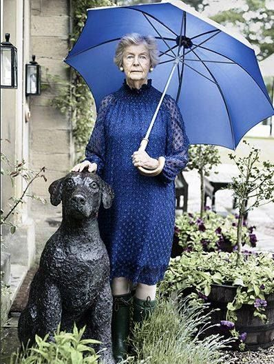 "the ultimate in style, ""Debo."" Dowager Duchess of Devonshire."