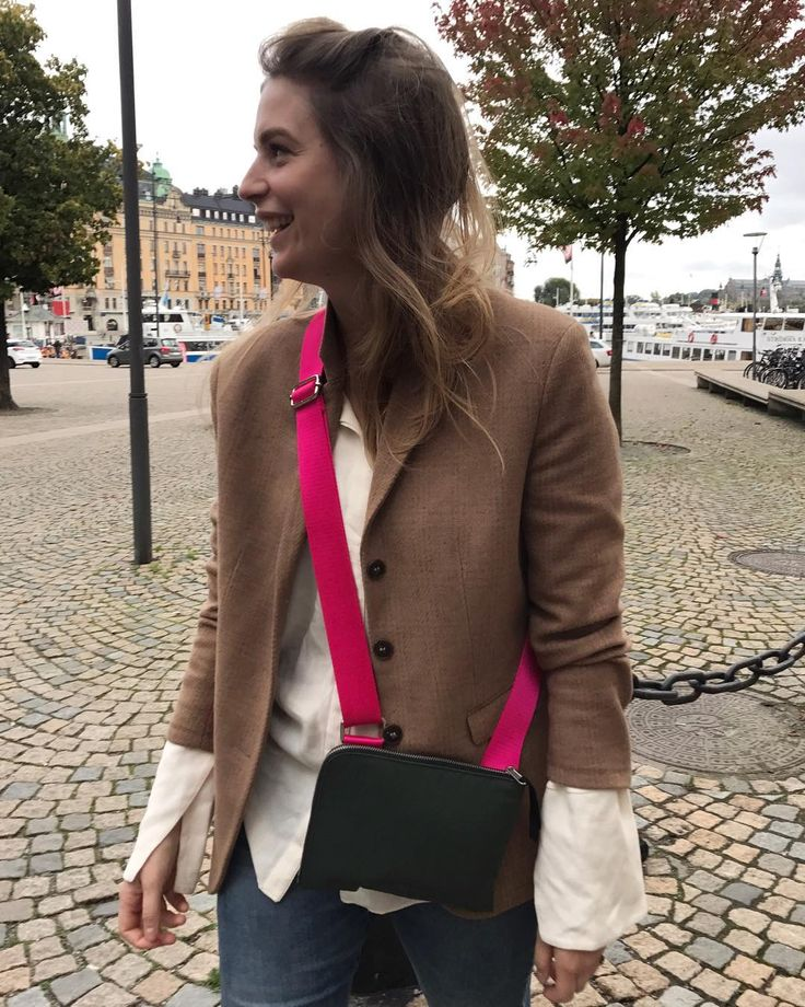 @sofia_wood out and about with HOPE Ital Bag