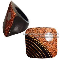 Woodeng rings