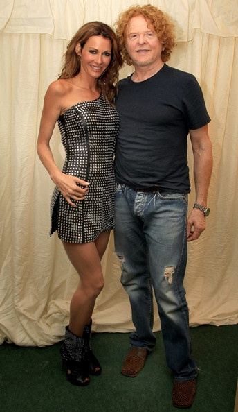 Kirsty Bertarelli poses for a photograph with Mick Hucknall at Edinburgh Castle on July 18, 2010 in Edinburgh, Scotland. Kirsty, originally from England and living in Switzerland, where she released 'Elusive' in January, is currently working on her UK album.