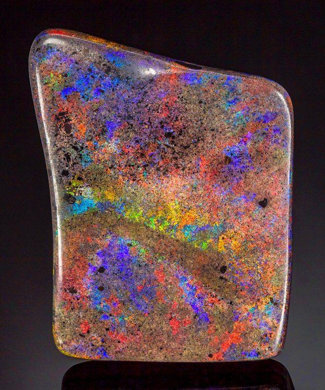 Andamooka Opal в песчаниковой матрице. Андамука Ранг, Стюарт Шельф, Южная Австралия, Австралия. 10,2 см на 7,5 см на общий размер 1,5 см. The Tucson 2017 Mineral Showrooms