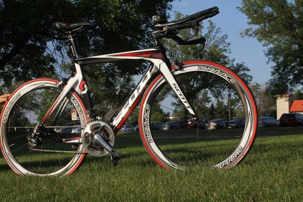 Pro Female Bikes From The Life Time Fitness Minneapolis Tri
