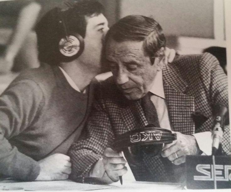 @RADIOESCUCHANTE  Fotografía histórica de dos grandes voces juntas, las de Joaquín Prat e Iñaki Gabilondo en la Cadena Ser #Radio
