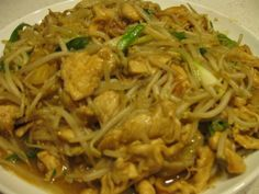 Chicken with Bean Sprouts Stir-Fry