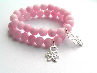 Kulki Sznurki-biżuteria z możliwością personalizowania. www.facebook.com/... bransoletki z zawieszkami zestaw na dzień kobiet, na walentynki, na święta. Pomysły na prezent #jade #pink #kulkisznurki #walentynki #bransoletki #zawieszki #bracelets #valentinesday #stretchbracelets #naszczescie #motherhood #children #boy #girl