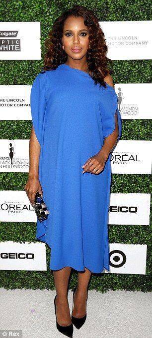 The Scandal actress looked regal in her blue mumu