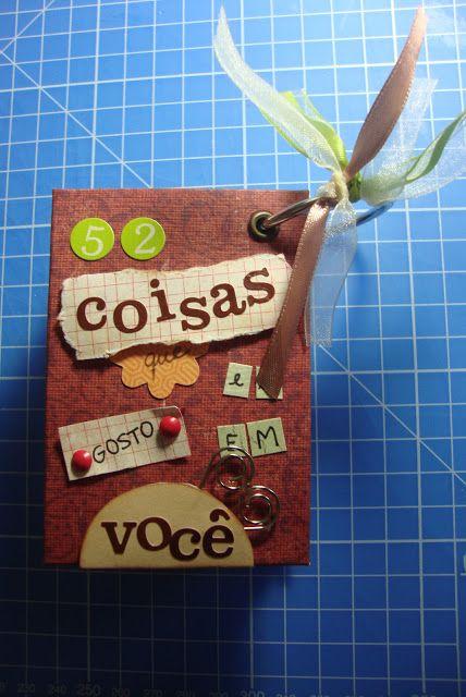 """Olá meninas! Por indicação de uma leitora, a Bianca Dario, trago a vocês este passo-a-passo MARAVILHOSO que está no blog fofíssimo Scrap Sisters. Gostei muito do blog e das criações das meninas, depois passem lá! É um álbum feito de cartas de baralho, com 52 coisas que gosto em você. Já vi algumas versões em inglês como """"52 reasons I love you"""" e agora encontrei essa fofura em português e trago pra vocês. Segue o passo-a-passo: Materiais:  Um baralho completo; Papel decorado pra scrap; Régua…"""