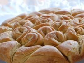 Το ψωμί της ευτυχίας - γιορτινό, για τις χαρές σας! | TasteFULL