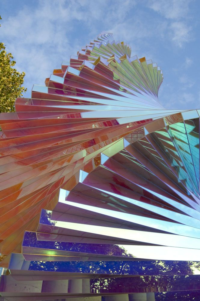 17 best images about dichroic on pinterest mirror for Radiant plexiglass