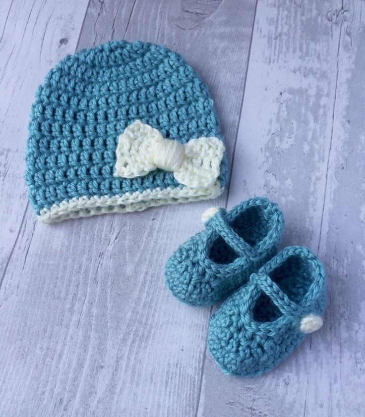 Hat and Shoe Set, Newborn, Baby, Crochet, Bow, Duck Egg, Cream. - pinned by pin4etsy.com