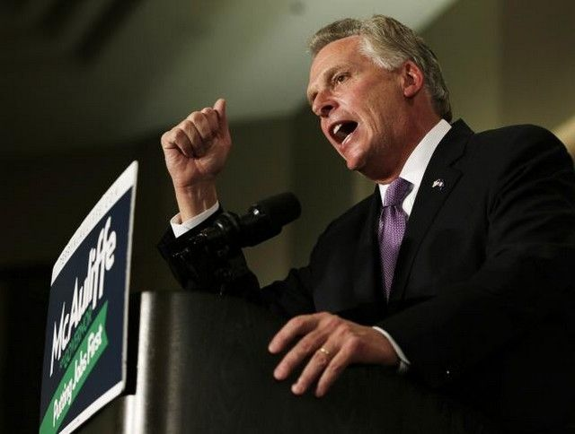 Virginia governor signs order restoring voting rights for felons - http://conservativeread.com/virginia-governor-signs-order-restoring-voting-rights-for-felons/