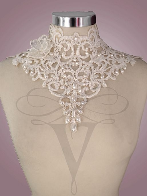Lace neck corset by VCoutureBoutique on Etsy, €120.00