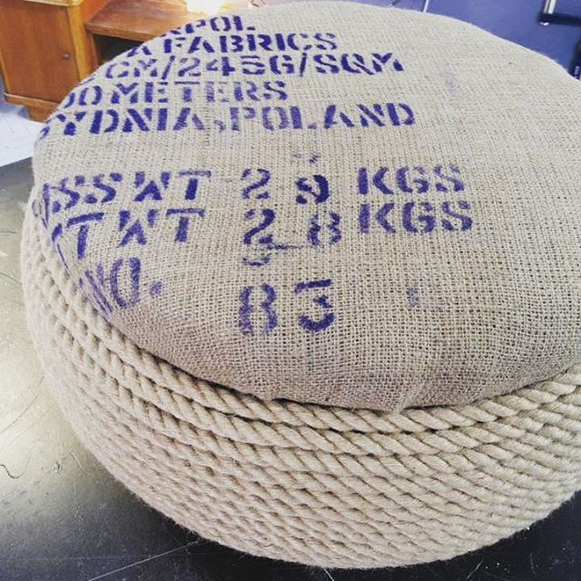 Pouf made from tire and sack