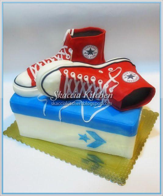 SKACCIA KITCHEN: Converse Birthday Cake