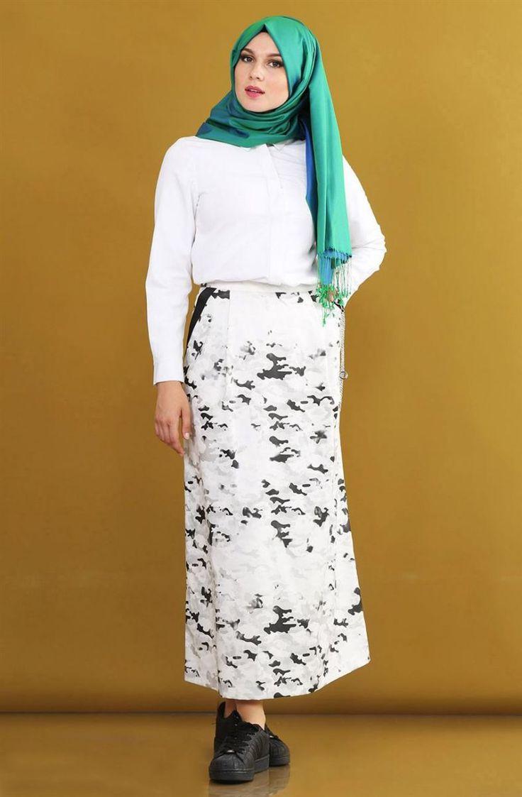 "Kayra Kamuflaj Desenli Etek-Siyah KA-B6-12098-12 Sitemize ""Kayra Kamuflaj Desenli Etek-Siyah KA-B6-12098-12"" tesettür elbise eklenmiştir. https://www.yenitesetturmodelleri.com/yeni-tesettur-modelleri-kayra-kamuflaj-desenli-etek-siyah-ka-b6-12098-12/"