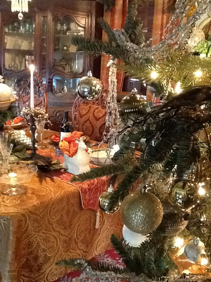 206 Best Christmas Dining Room Images On Pinterest  Christmas Interesting Christmas Dining Room Design Decoration