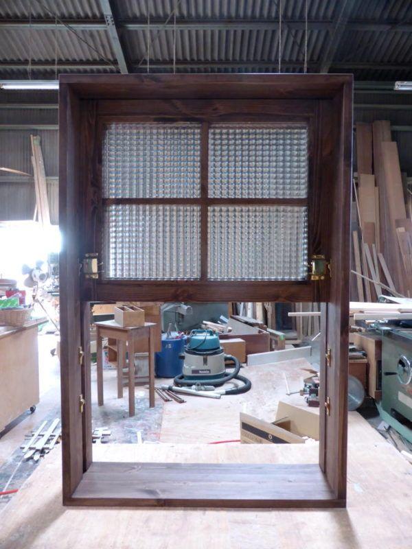 チェッカーガラスの上げ下げ窓 電車窓 441 室内窓のオーダー実例