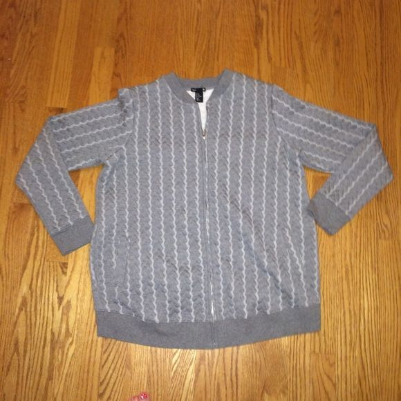 H&M Maternity Zip Up Sweatshirt/Jacket Awesome maternity sweatshirt. Also good for baby wearing as this will fit over you and the baby. Make me an offer H&M Jackets & Coats