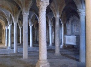 Tuscania, Basilica romanica di S. PIetro, crypta