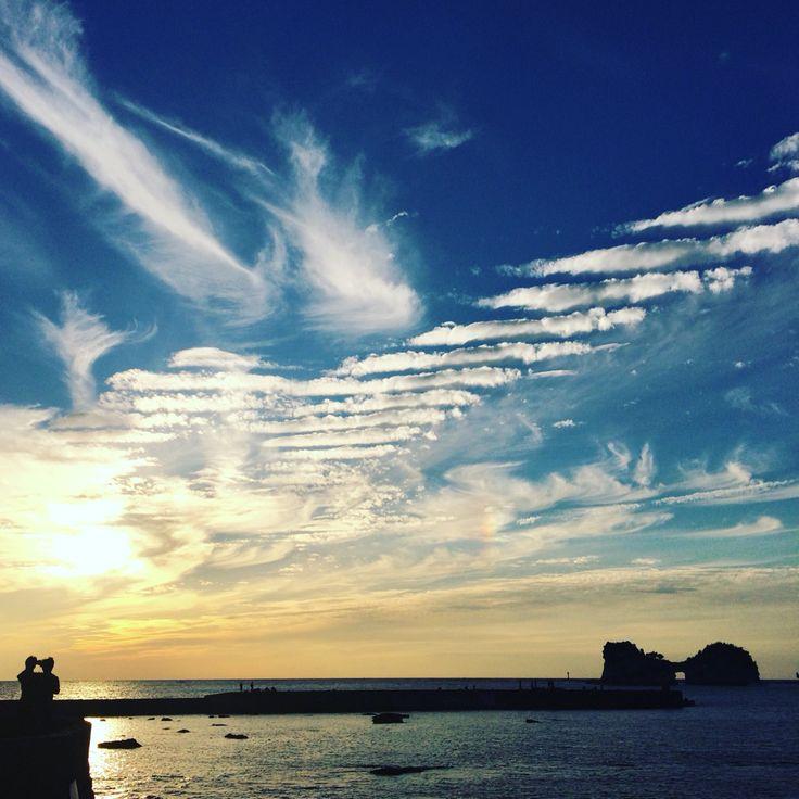 鱗雲円月島