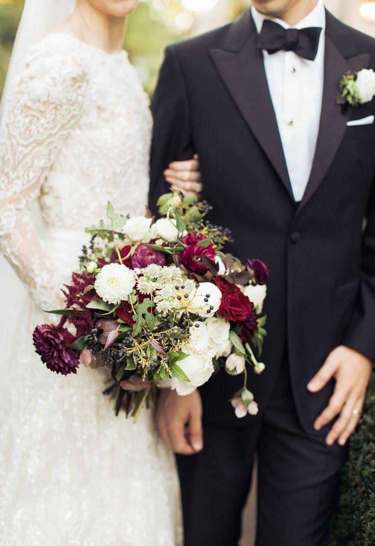 Floral Design: Greenlion - http://www.stylemepretty.com/portfolio/greenlion Photography: Rebecca Arthurs - rebecca-arthurs.com   Read More on SMP: http://www.stylemepretty.com/2016/03/21/elegant-intimate-glen-manor-wedding/