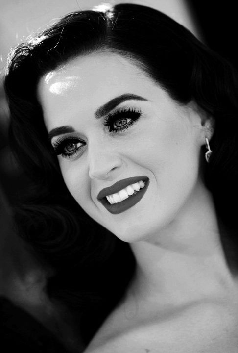 Look de los 50's de Katy Perry