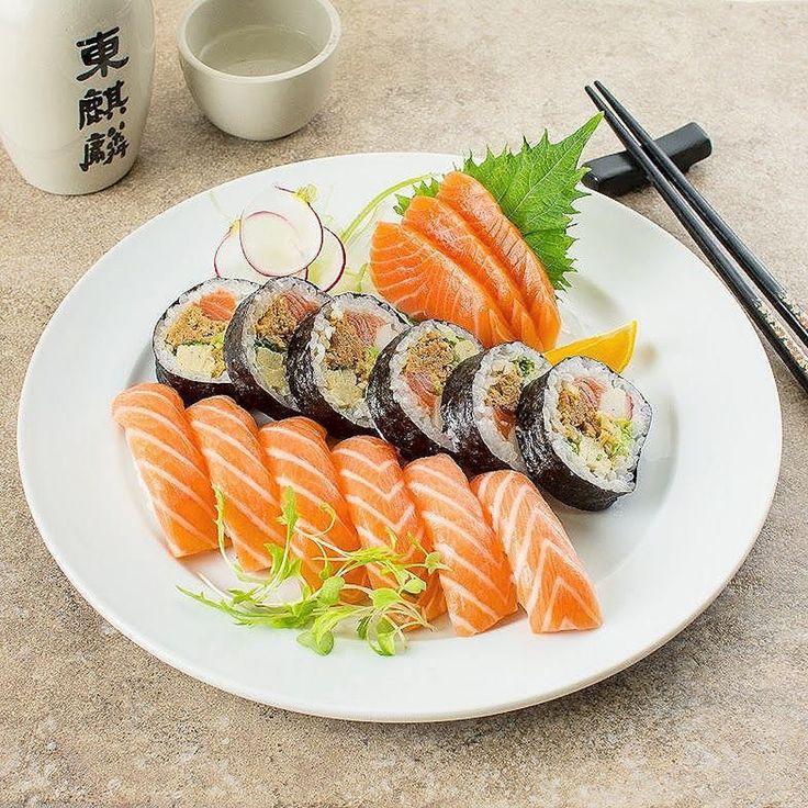 """sushimode:  """"There's some lovely sushi  via @sushibeta   """""""