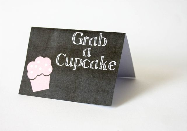 DIY Paper Table Cards #DIY #lblogger #lifestyleblogger #lifestyleblog #crafts #DIYblogger #birthday #decor