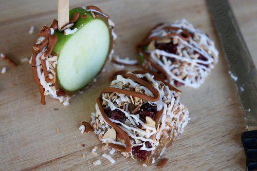 Яблоки в карамели и шоколаде