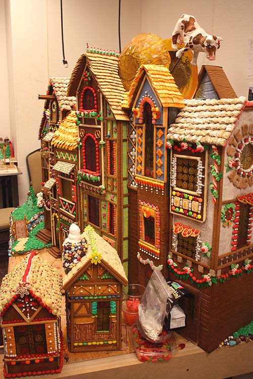 Now this is some serious gingerbread house making.  Dana and Corinne, you should go see this.  It's in  Seattle.