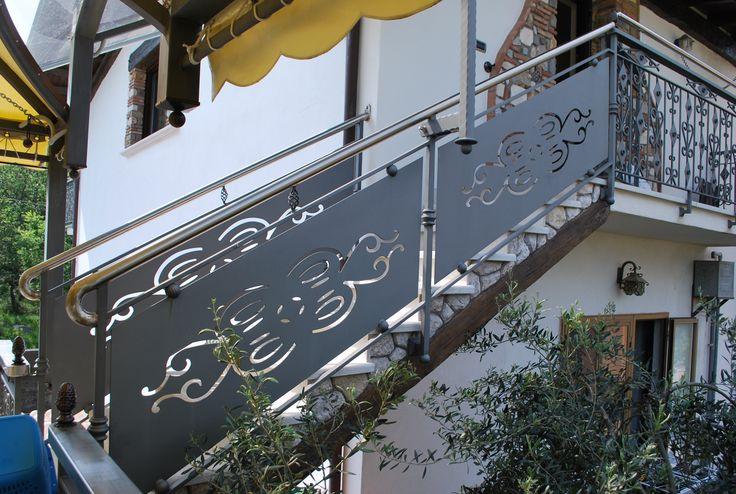 #Ringhiera in #ferro con disegno sagomato. #scale #stairway #iron #art