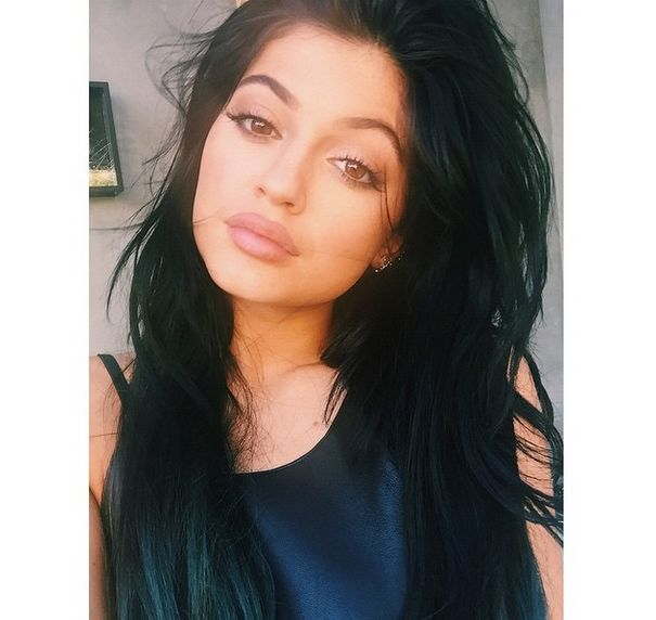 Kylie Jenner's Makeup Artist Reveals the Secret Behind Her Fuller-Looking Lips | Cambio