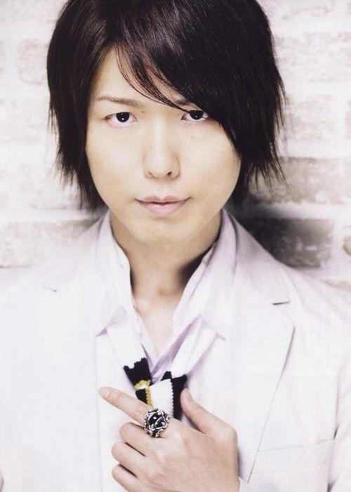 Hiroshi Kamiya... He looks kind of like Izaya Orihara