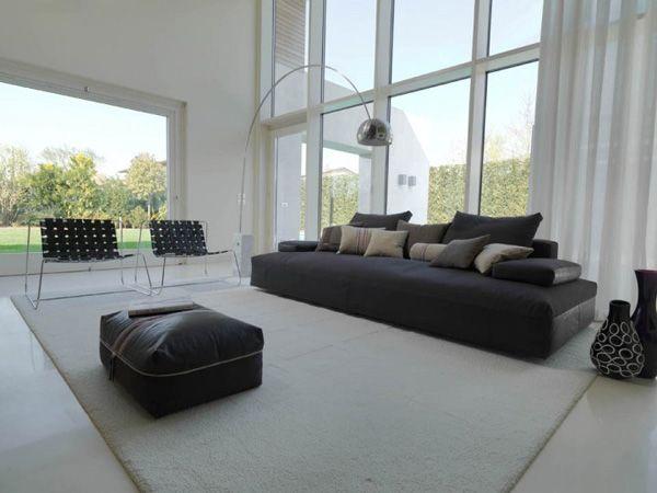 La tua scelta è il divano nero? Ecco qualche consiglio!http://www.arredamento.it/articoli/articolo/divani/2654/divano-nero-stile-in-total-black.html #totalbalck #divani Désirée, divano Glow-in
