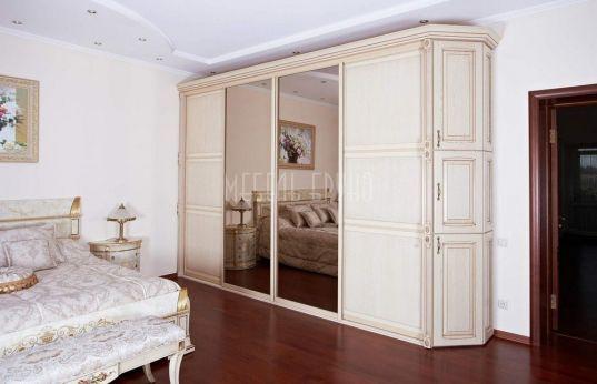 Шкаф-купе Осирис из массива дуба. Классика, белые фасады и большое зеркало http://www.shkafe.ru/shkafy-kupe/shkaf-kupe-osiris/