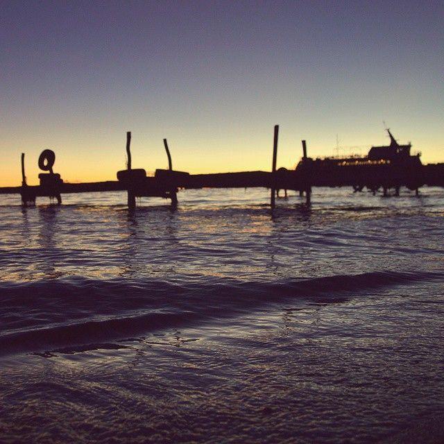 El viento besa las olas, las lleva delicadamente a la orilla. #Titicaca #copacabana #Bolivia #Bolivie #beach #bay #seascape #lake #wanderlustcontest #wanderlust #awesome #sunset #beforesunset #skyporn #travel #instatravel #instatrip #instanature...