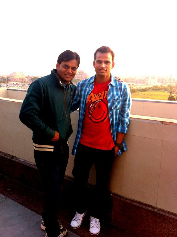 With KD at Akshar Dham metro station trying to get Temple in our back drop of pic :P