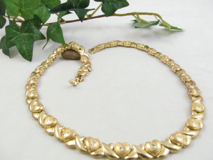 Really Gorgeous and flawless Vintage Heart & Rhinestone Gold tone Heavy Link Chain Necklace 18 inches long  Stunning Piece by vintagejewelrycloset on Etsy