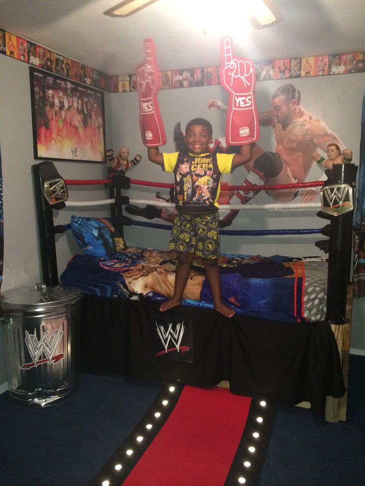 WWE Custom Bedroom - love the idea of decorating a steel bin to look like a hardcore weapon