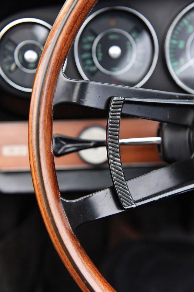 Der Porsche 911 erzählt seine Geschichte schon schon über ein halbes Jahrhundert. RM Sotheby's versteigert im Februar 2017 ein ganz altes Fundstück: das allererste Porsche 911 Cabrio überhaupt, das noch unter dem Namen Porsche 901 gebaut wurde.