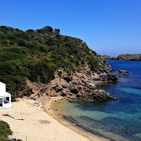 Cala en Vidrier. Es Grau. Menorca. Where life is full of quietness. #menorcaenkayak #menorca #esgrau #sea #sky #beautifulplace#beach#photography #love#like4like #instagood #instalike #landscape#calaenvidrier#camidecavalls#nature#naturelover#naturephotography#cove