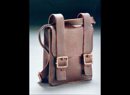 Janet Halligan - fantastic ceramic bag!