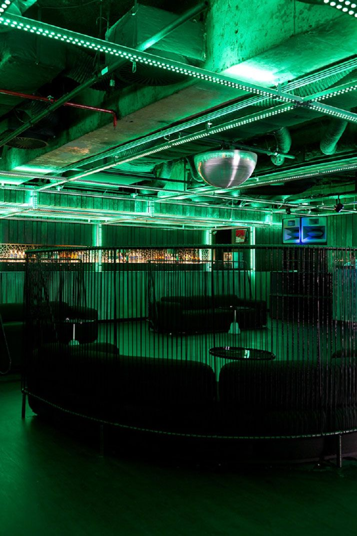 The look of the brief was that of an underground club with exposed pipework and other industrial-looking infrastructure features combined with the use of digital technologies and mixing interaction.